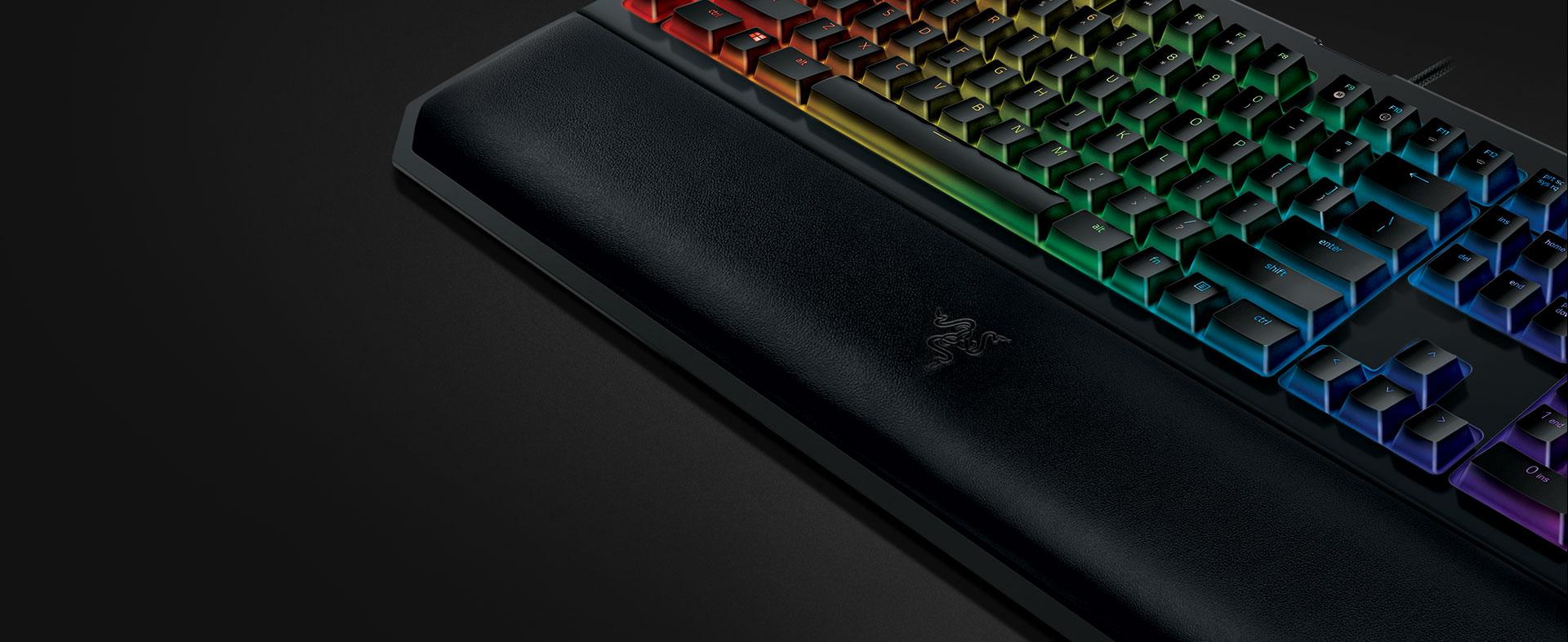 Razer Blackwidow Chroma V2 Review - Deluxe Keyboard