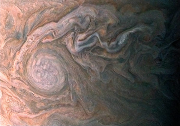 Jupiter clouds also look fairly tasty, like cream coffee or marble cake frosting.
