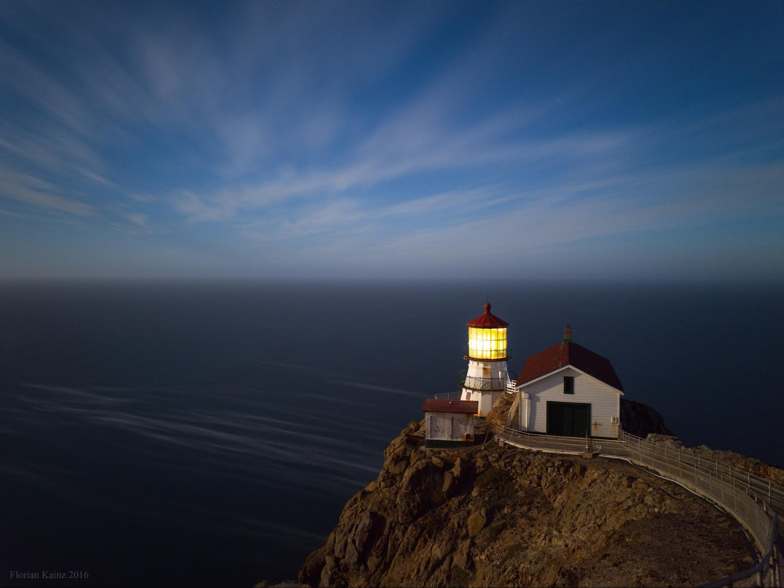 Point Reyes lighthouse at night, photographed with Google Nexus 6P by Kainz