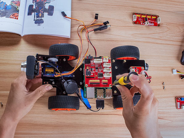 Get SunFounder Raspberry Pi Robot Kits And Have Fun With