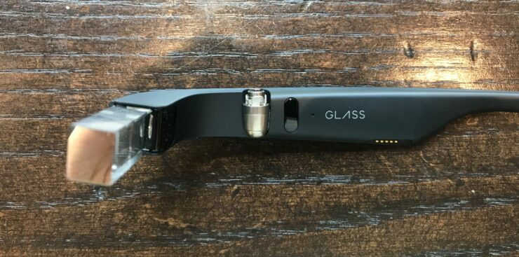 Google Glass Enterprise Edition Smiles for the Camera in First Ever Unboxing