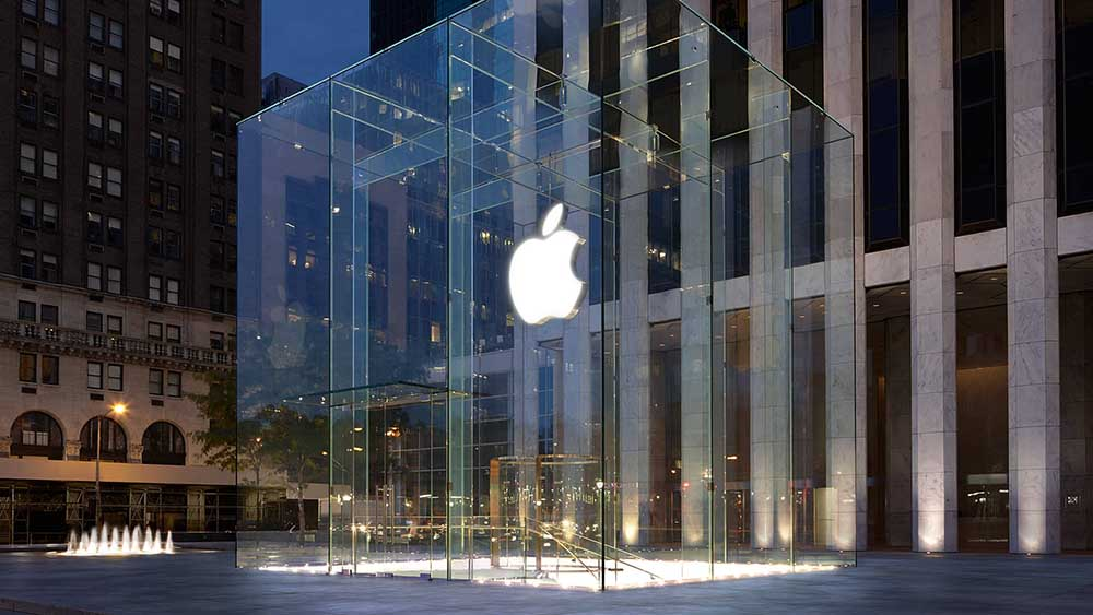 Apple Market Cap Could Cross $1 Trillion if New U.S. Tax Reforms Are Passed