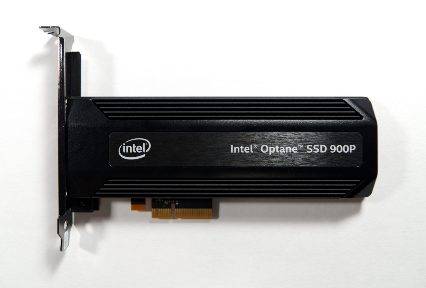 intel-optane-ssd-900p_anandtech_1