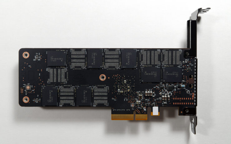 intel-optane-ssd-900p_anandtech_3