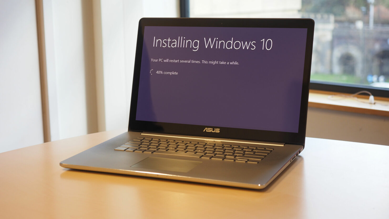 delay Windows 10 microsoft Windows 10 fall creators update features