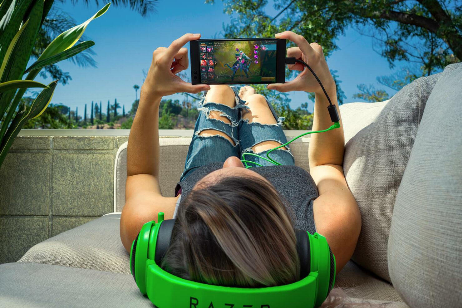 razer-phone-official-images-3