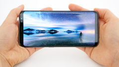 galaxy-s8_display_hands_on_05_33589604211_o-3