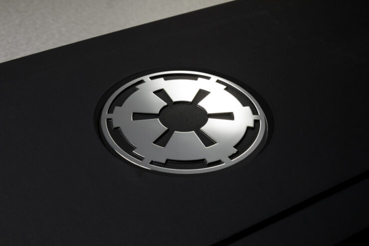 nvidia-geforce-titan-xp-star-wars-collectors-edition-galactic-empire-packaging-photo-004