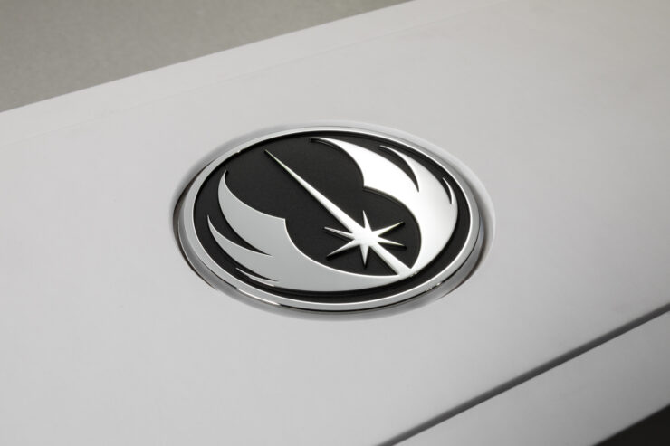 nvidia-geforce-titan-xp-star-wars-collectors-edition-jedi-order-packaging-photo-004