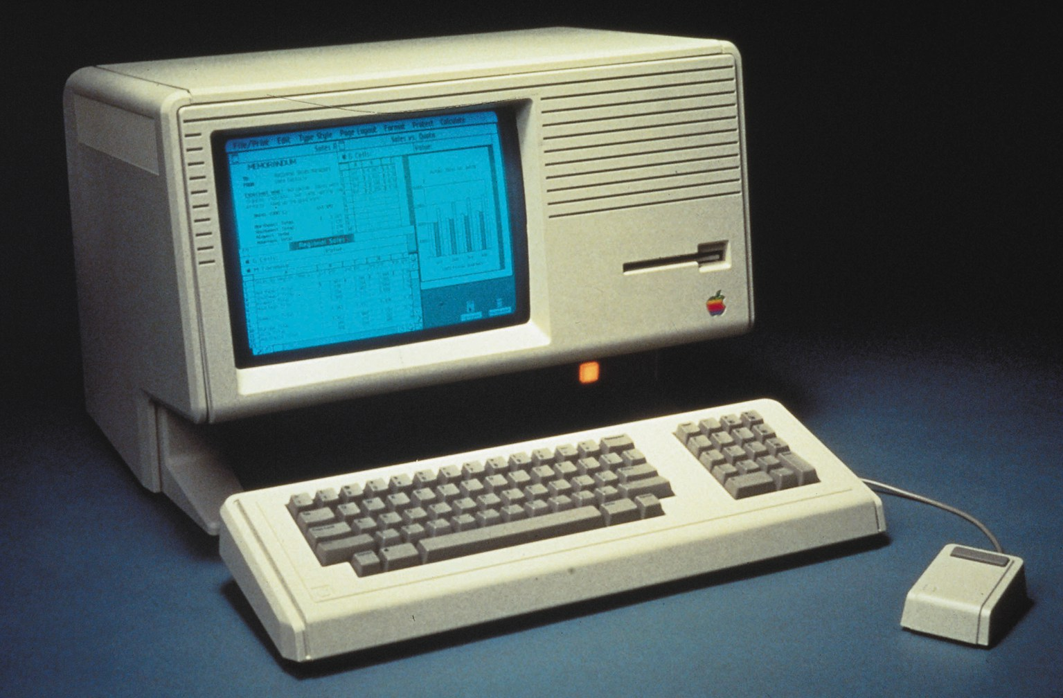 the history of competition between ibm and macintosh computers