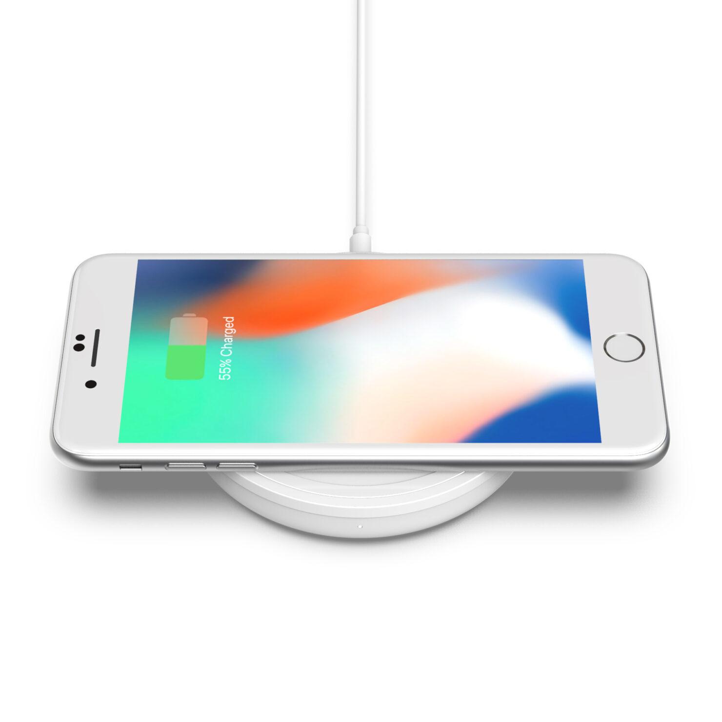 bold_charging_pad_iphone_4