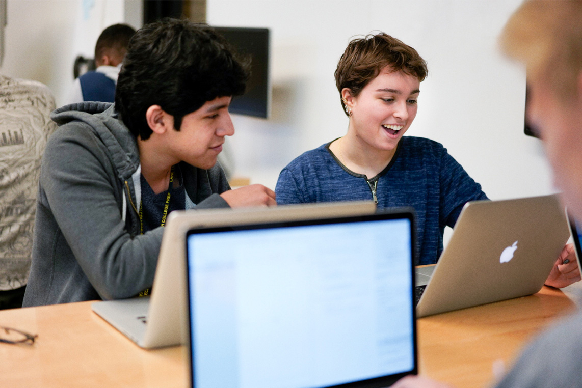 students_learn_to_code_swift_01172018