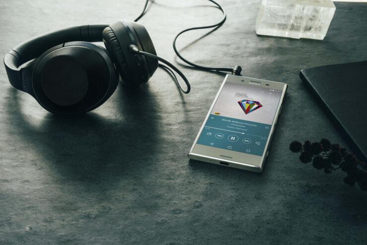 Xperia flagship no headphone jack