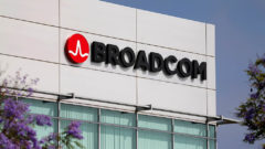 Donald Trump halts Broadcom Qualcomm deal