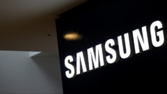 Samsung will miss 350 million smartphone shipments target