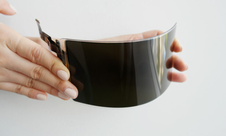 Samsung Claims Its New Flexible OLED Smartphone Panels Are 'Unbreakable'