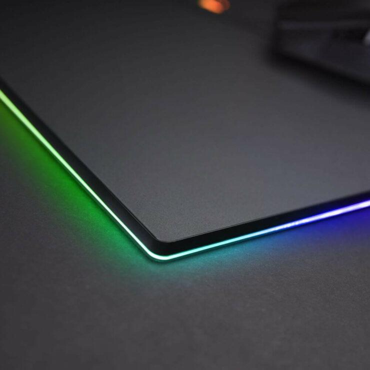 wccftech-gigabyte-rgb-mousepad-3