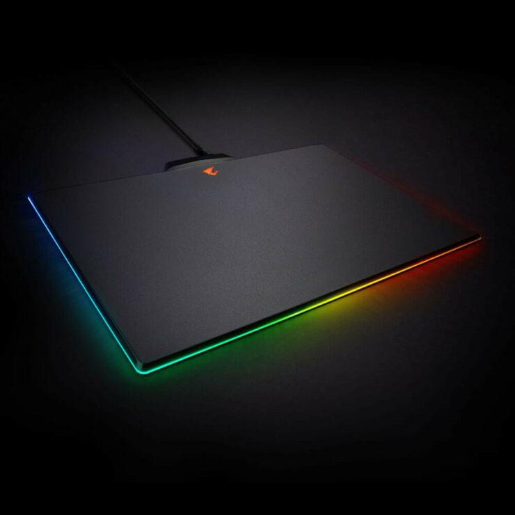 wccftech-gigabyte-rgb-mousepad