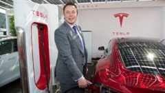 news-tesla-motors-model-s-uk-launch