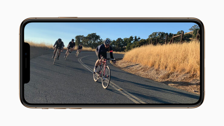 apple-iphone-xs-gold-video-screen-09122018_inline-jpg-large_2x