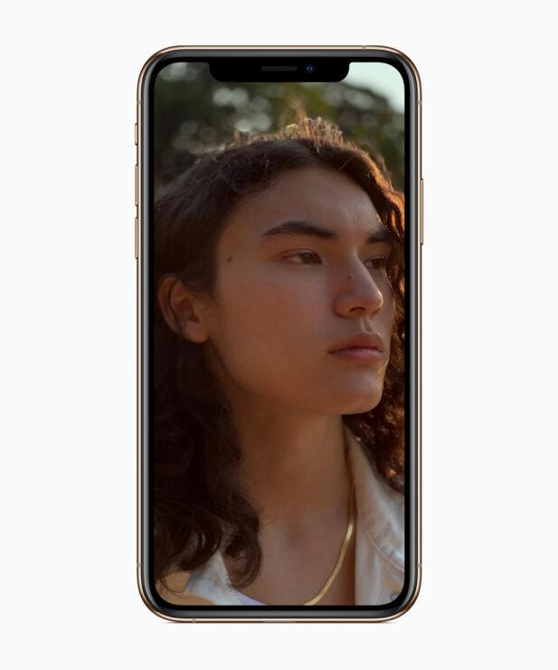 apple-iphone-xs-selfie-2-09122018_carousel-jpg-large_2x