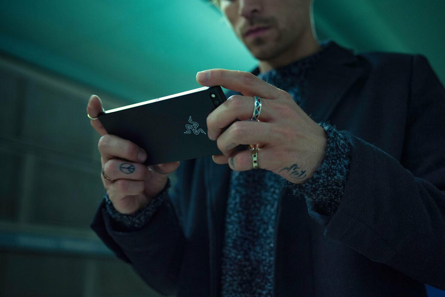 Razer Phone $300 discount