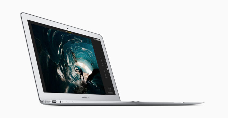 MacBook Air order delayed to October 30