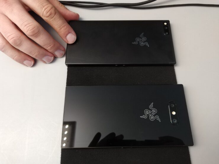 razer-phone-2-side-by-side-back