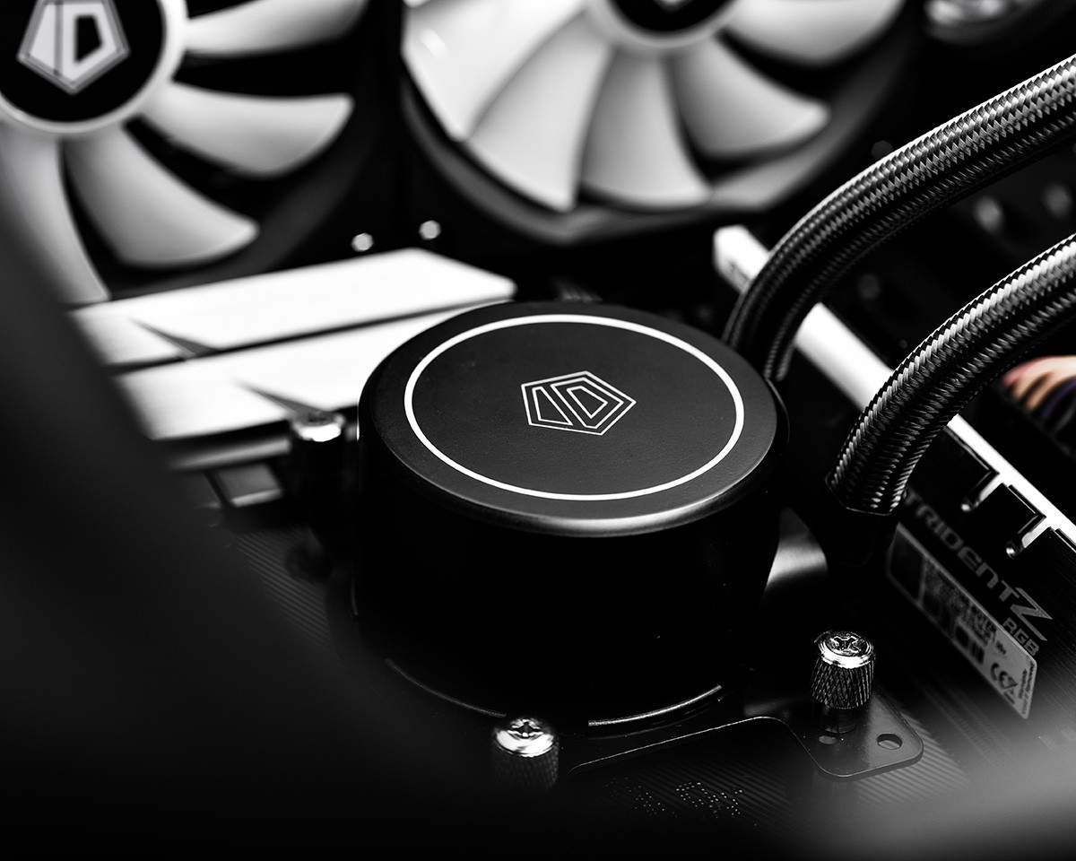 ID-Cooling Releases AURAFLOW X 240 RGB AIO Water Cooler