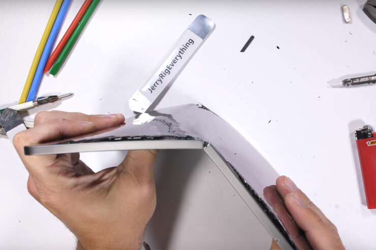 Apple's new iPad Pro folds like paper in new bend test video