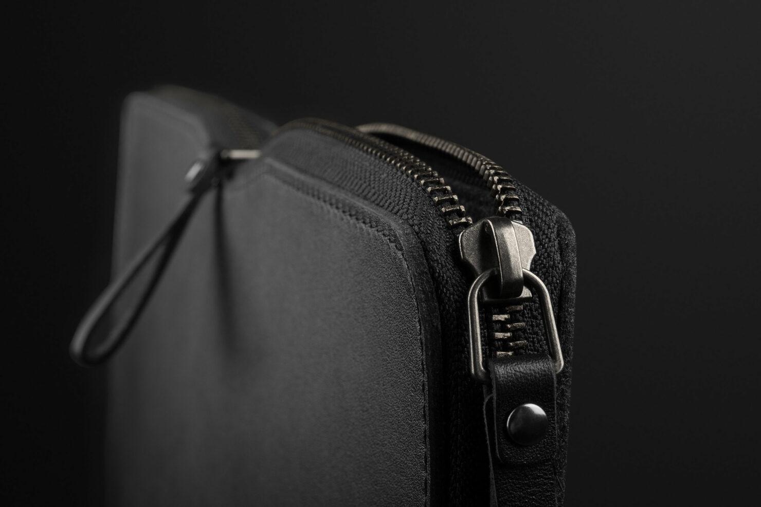 folio-sleeve-for-1322-macbook-air-pro-black-06