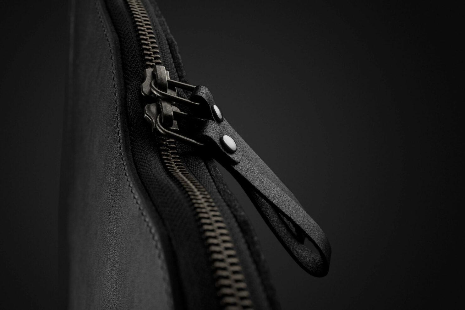folio-sleeve-for-1322-macbook-air-pro-black-10