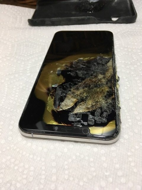 iphone-xs-max-exploded-2