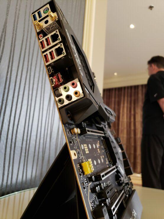 evga-z390-dark-ports