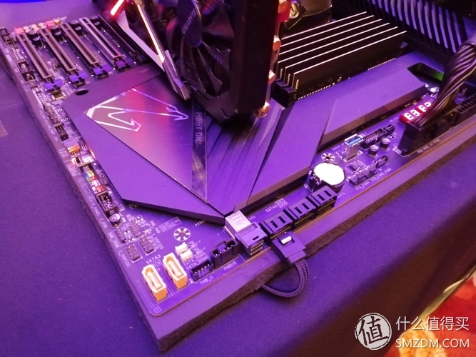 gigabyte-c621-aorus-xtreme-motherboard_event_6-2