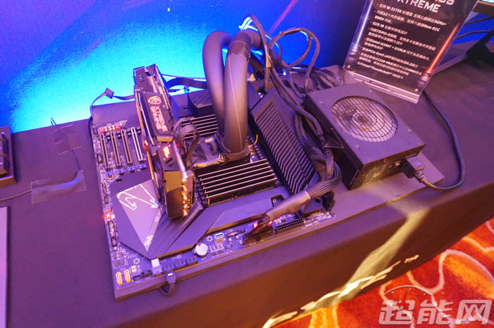 gigabyte-c621-aorus-xtreme-motherboard_event_7