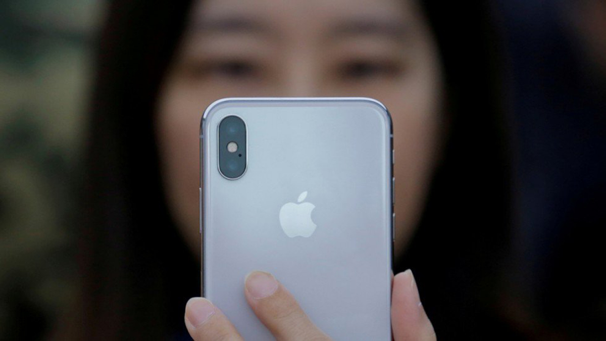 Analysts Claim Apple Is Having the Worst Month in China When It Comes to iPhone Sales
