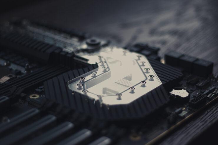 img_2379-evga-dark-sr-3-motherboard
