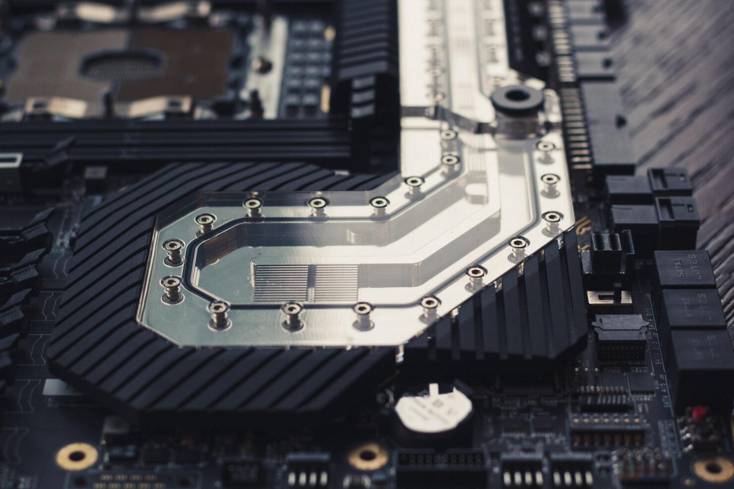 img_2393-evga-dark-sr-3-motherboard