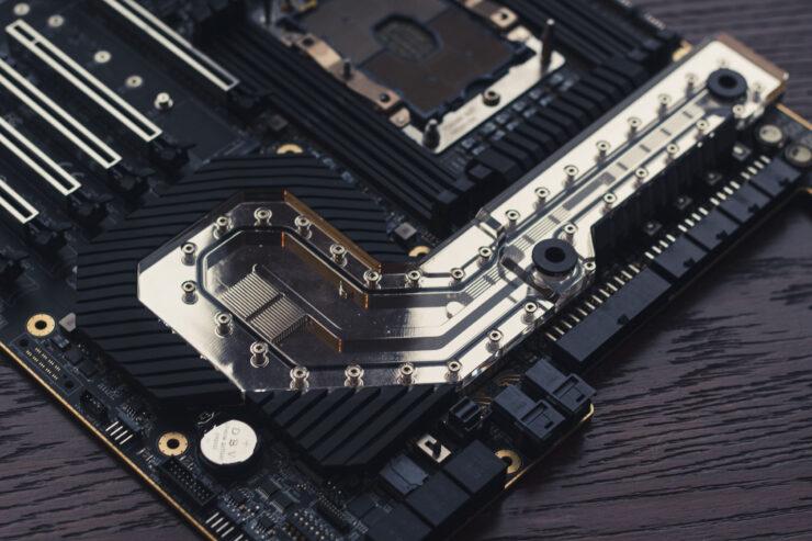img_2395-evga-dark-sr-3-motherboard