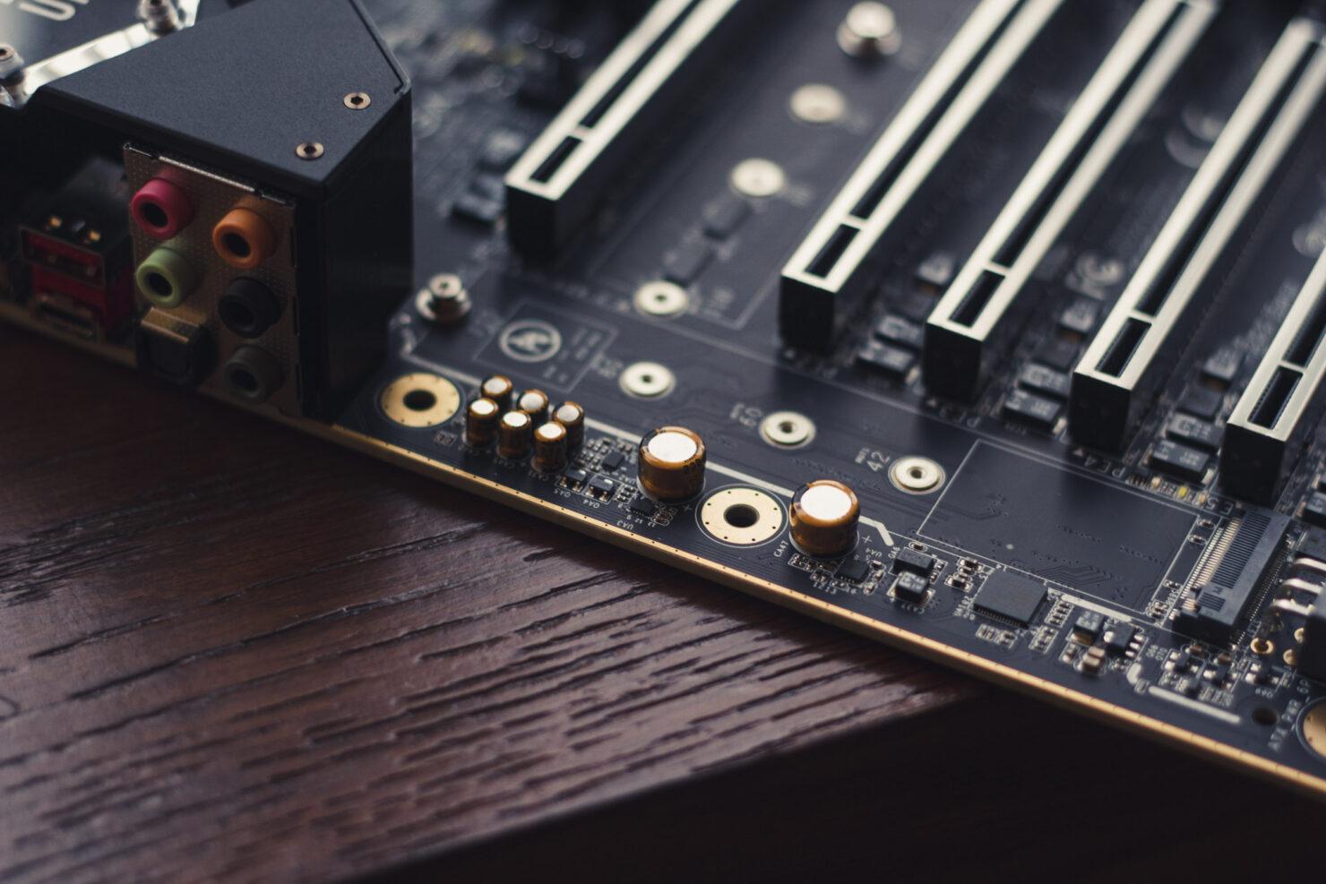 img_2399-evga-dark-sr-3-motherboard