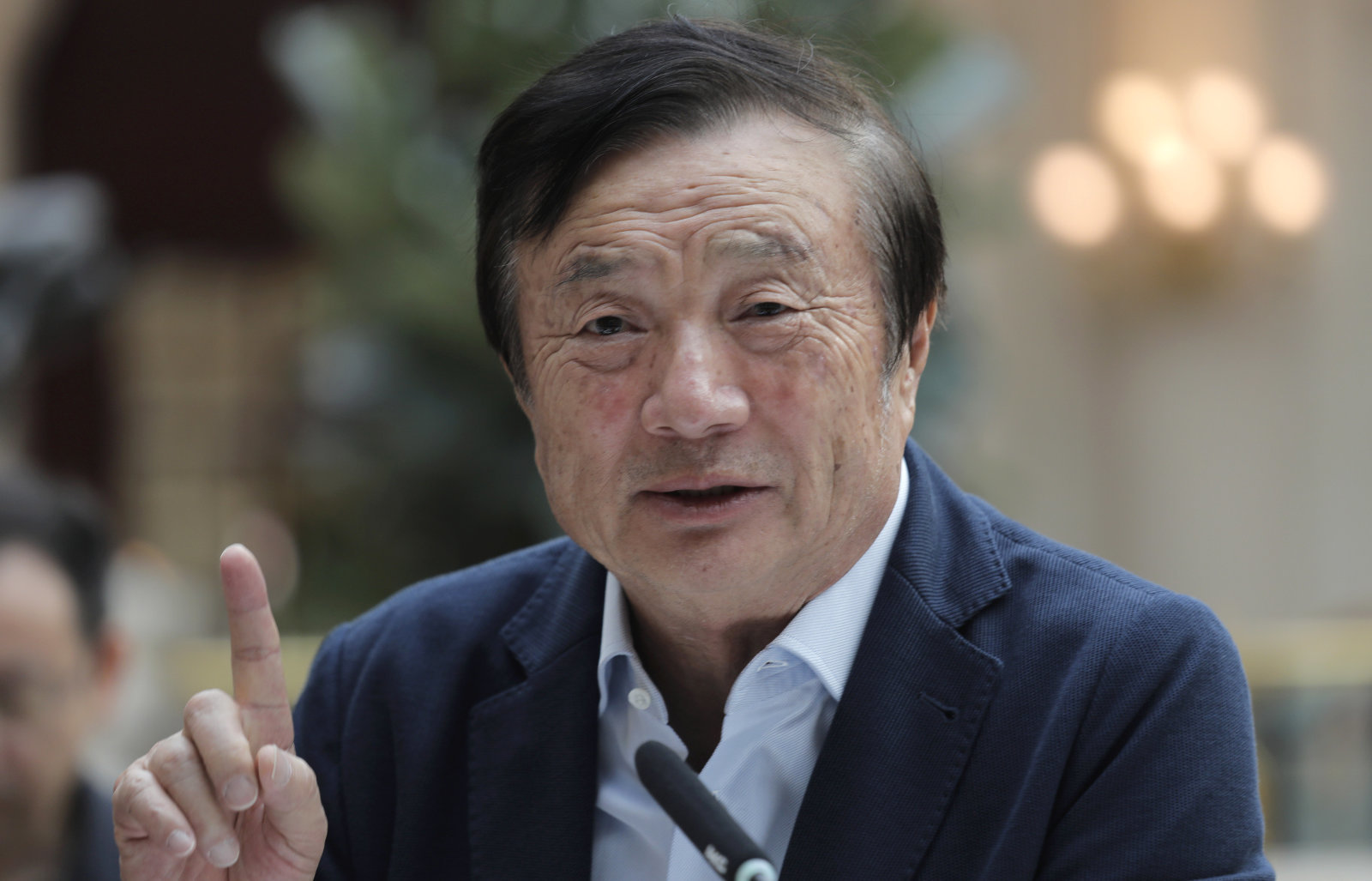 Huawei Founder Implies That HongMeng OS Will Fail Without a