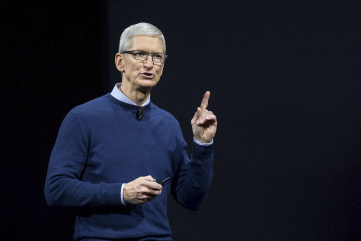Tim Cook calls WSJ report on Jony Ive absurd