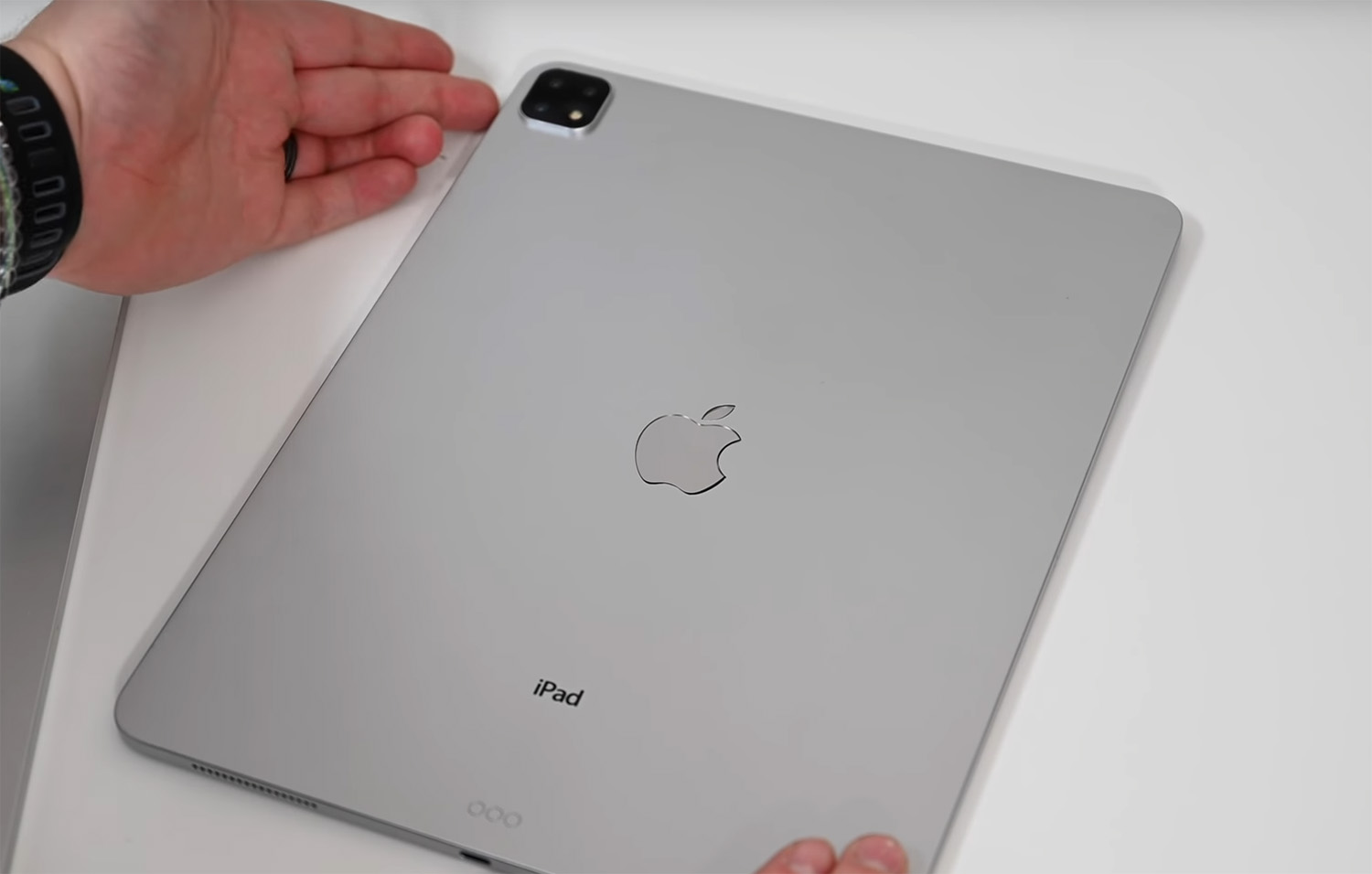 2019 iPad Pro Mockup Video Shows Triple Camera, USB-C & Slim Design