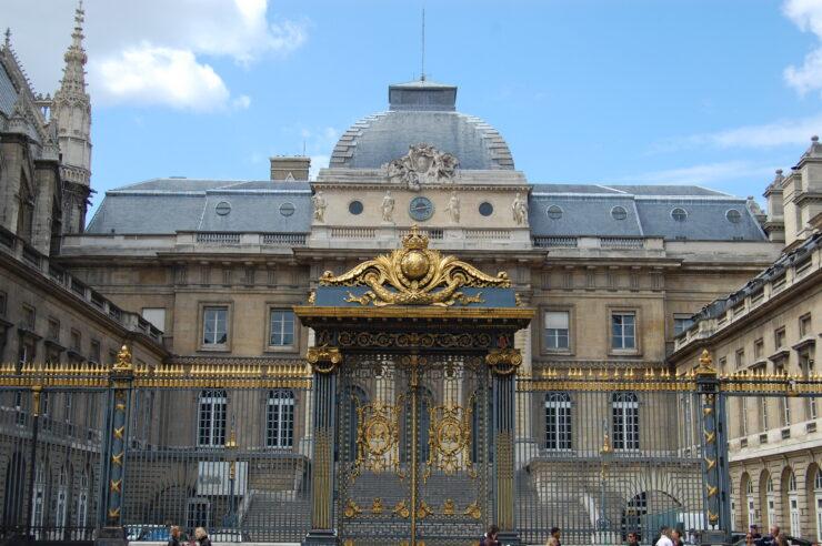 French Court digital