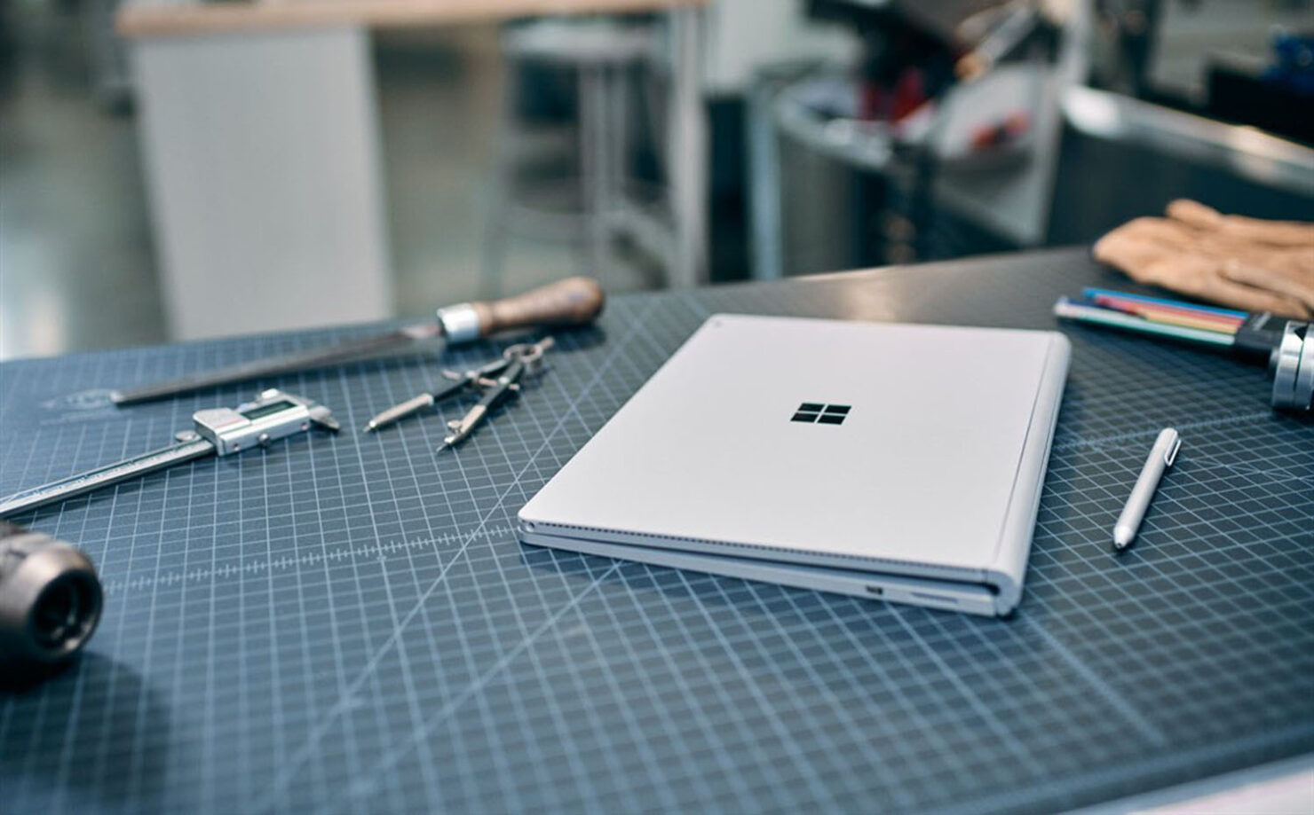 Foldable Surface Device Could Use Special Liquid Hinges in the Future