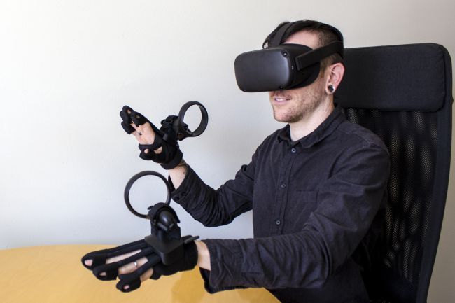 Forte Data Gloves with Oculus Controllers