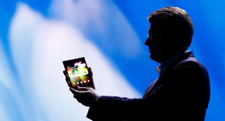Samsung's Foldable Phone Shipments to Increase in 2020, Says Mobile Head