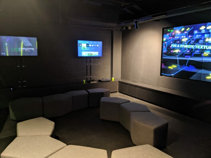 razer-razerstore-console-area