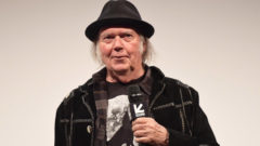 Musician Neil Young Calls the MacBook Pro 'a Piece of Crap'; Says Steve Jobs Was Focused on Consumers, Not Quality